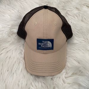 THE NORTH FACE Trucker hat